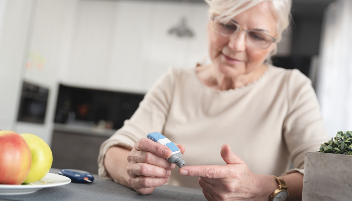 Helping a senior loved one manage diabetes