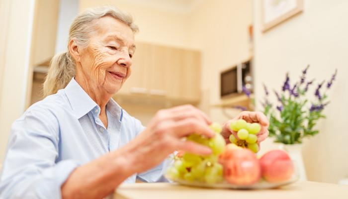 Helping seniors avoid malnutrition