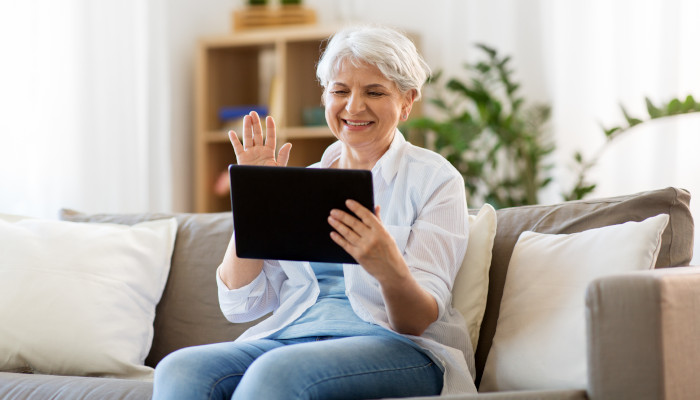 Benefits of Communication for Seniors and Caregivers